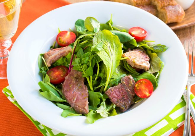 ローズマリー香る牛肉のグリーンサラダ
